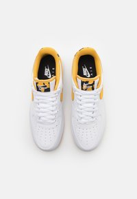 Nike Sportswear - AIR FORCE 1 '07 - Sneakers basse - white/light ginger/black - 3