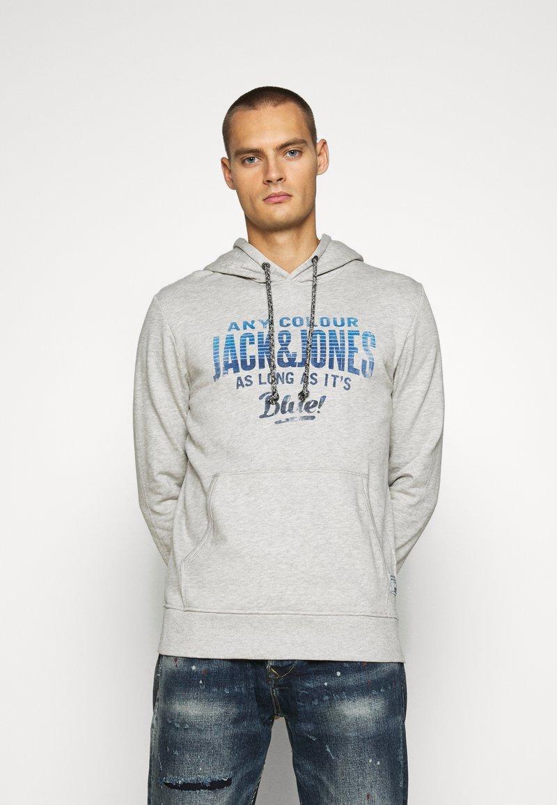 Jack & Jones - PRINT  - Hoodie - cool grey/melange