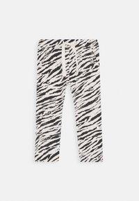 Noppies - SLIM FIT PANTS TEBANG - Trousers - oatmeal - 0