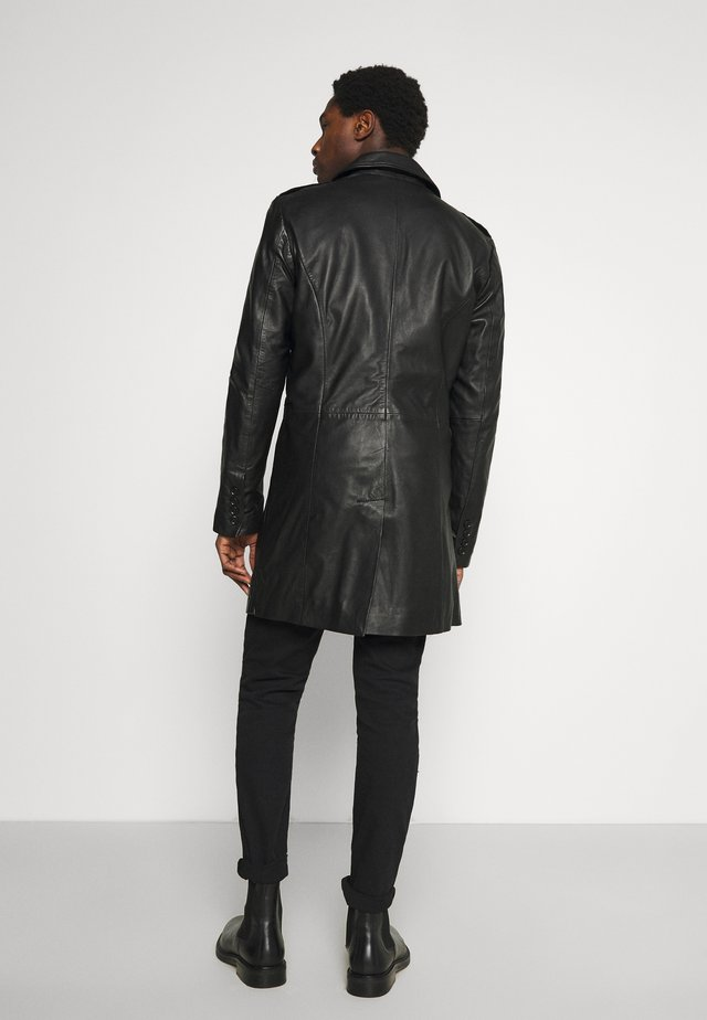 KAI COAT - Kort kåpe / frakk - black