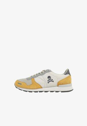 Sneakers laag - mustard