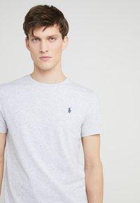 Polo Ralph Lauren - SHORT SLEEVE - T-shirt basique - smoke heather - 4