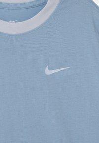 Nike Sportswear - Triko spotiskem - psychic blue - 2