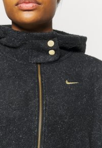 Nike Performance - COZY - Fleece jacket - black/metallic gold - 5