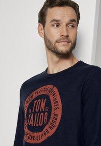 TOM TAILOR - MIT LOGO-PRINT - Long sleeved top - dark blue - 3