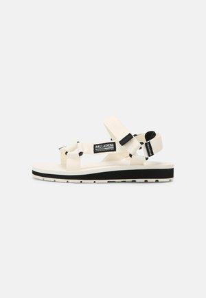 OUTDOORSY URBANITY - Chodecké sandály - star white