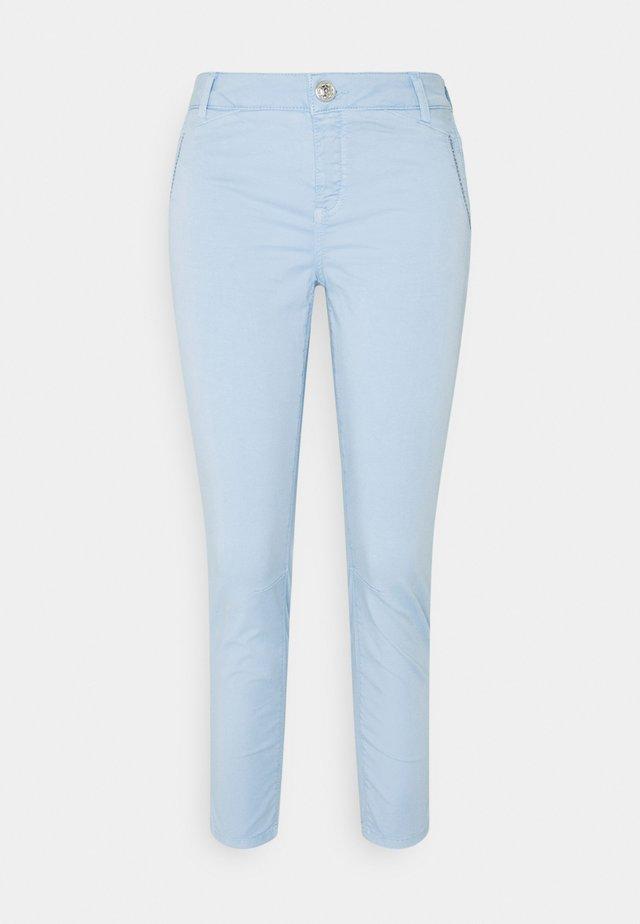ETTA RELIC PANT - Kalhoty - chambray blue