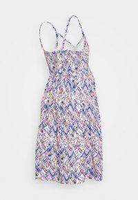 MAMALICIOUS - MLAGNES TESS ABK DRESS - Vestido ligero - snow white/fragrant lilac - 1