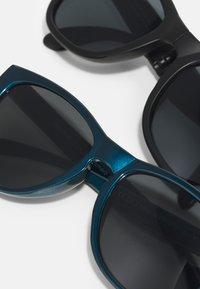 Name it - NMMDOSSUNGLASSES UNISEX 2 PACK - Sunglasses - aegean blue/black - 3