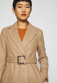 Dorothy Perkins - BELT WRAP - Klasický kabát - camel - 5