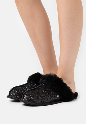 SCUFFETTE COSMOS - Pantoffels - black