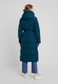 Anna Field - Trench - teal - 2