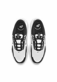 Nike Sportswear - MAX BOLT - Matalavartiset tennarit - white/white/black - 3