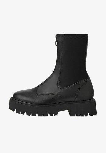 KOMBINIERTE REISSVERSCHLUSS VORNE - Ankle boots - black