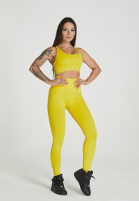 carpatree - SEAMLESS LEGGINGS MODEL ONE - Collant - yellow - 1