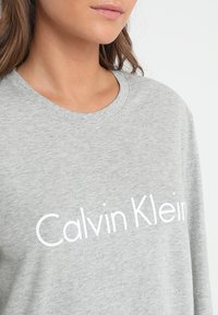 Calvin Klein Underwear - CREW NECK - Pyjama top - grey - 4