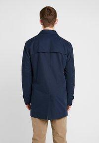 Selected Homme - SLHTIMES COAT  - Trenchcoat - dark sapphire - 2