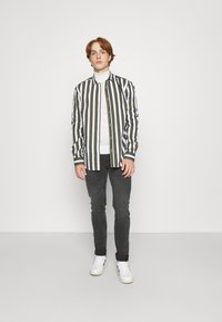 Only & Sons - ONSSANE STRIPED SLIM FIT - Shirt - olive night - 1