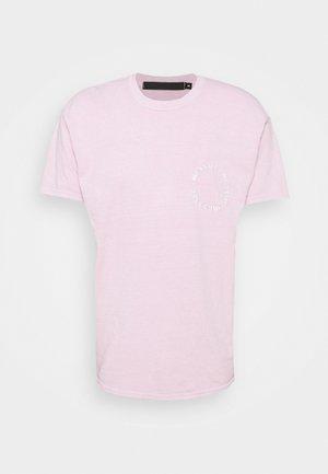 ON THE RUN SKULL REGULAR - T-shirts print - pink