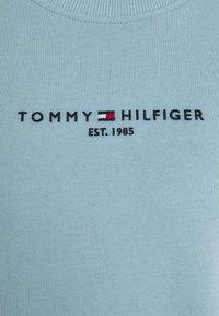 Tommy Hilfiger - REGULAR - Sweatshirt - columbia blue - 2