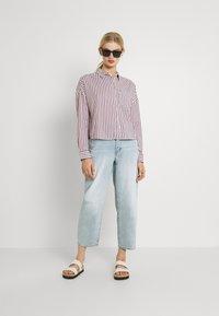 Tommy Jeans - BOXY STRIPE - Košile - white/multi - 1