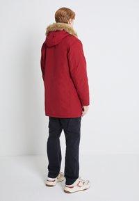 Levi's® - WOODSIDE LONG UTILITY  - Winter coat - biking red - 2