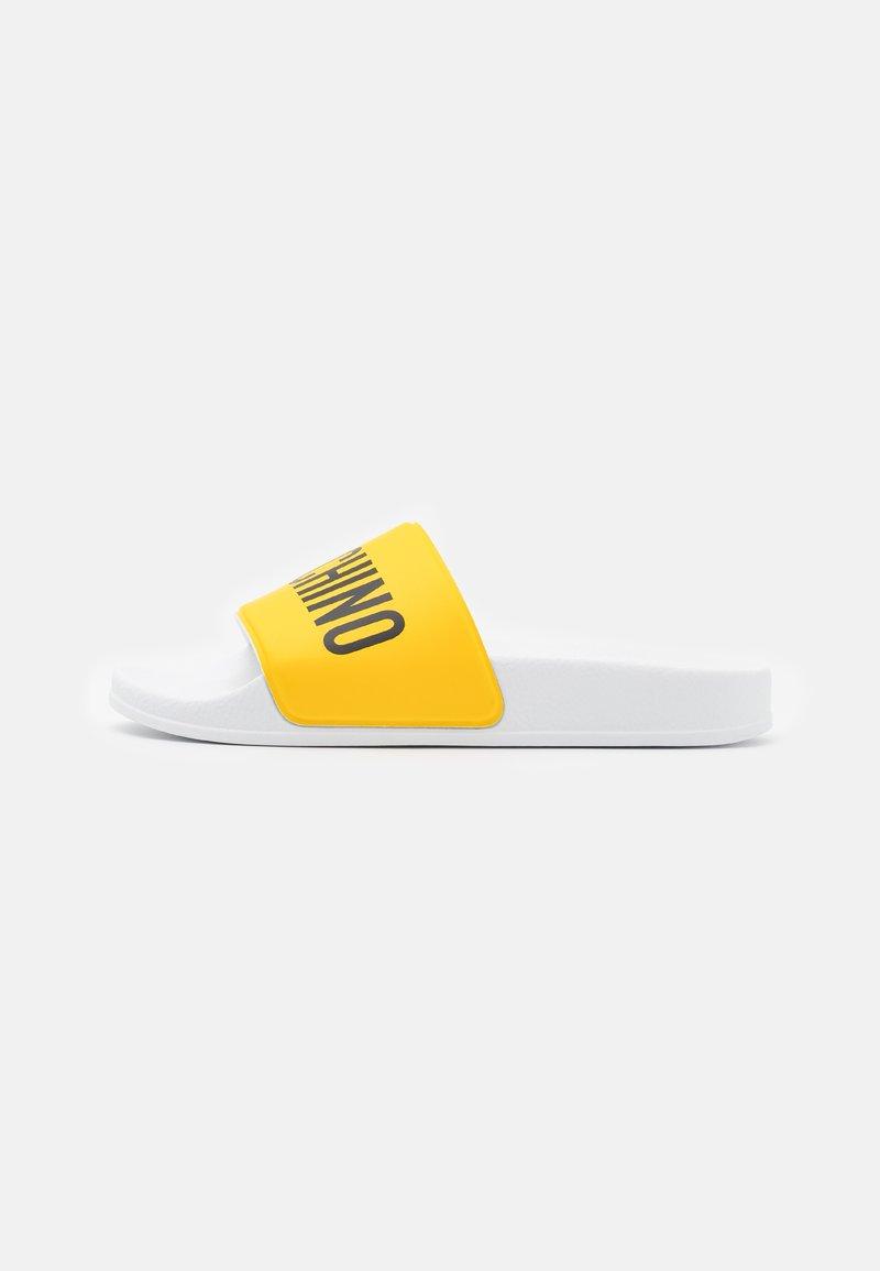 MOSCHINO - UNISEX - Sandalias planas - yellow