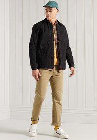 Superdry - UTILITY - Light jacket - black wax - 0