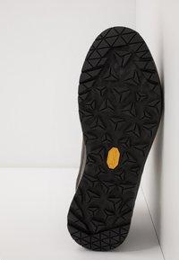 Lowa - LOWA® EXPLORER - Hiking shoes - anthrazit/koralle - 4