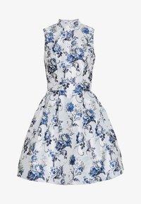 Chi Chi London - ELOWEN DRESS - Sukienka letnia - blue - 3