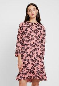Moss Copenhagen - GRACIE SHORT DRESS - Day dress - light pink - 3