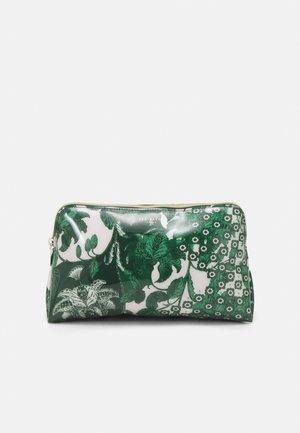 ROCOLA - Wash bag - green
