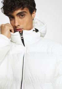 Schott - MAX UNISEX - Winter coat - white - 6