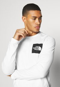 The North Face - FINE TEE  - Long sleeved top - white/ black - 3