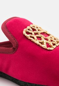 Chatelles - Slippers - red rose - 5