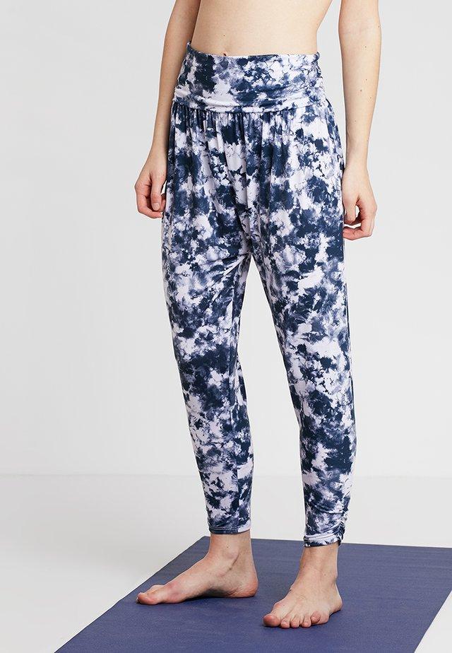 HAREM PANT - Pantalon de survêtement - white