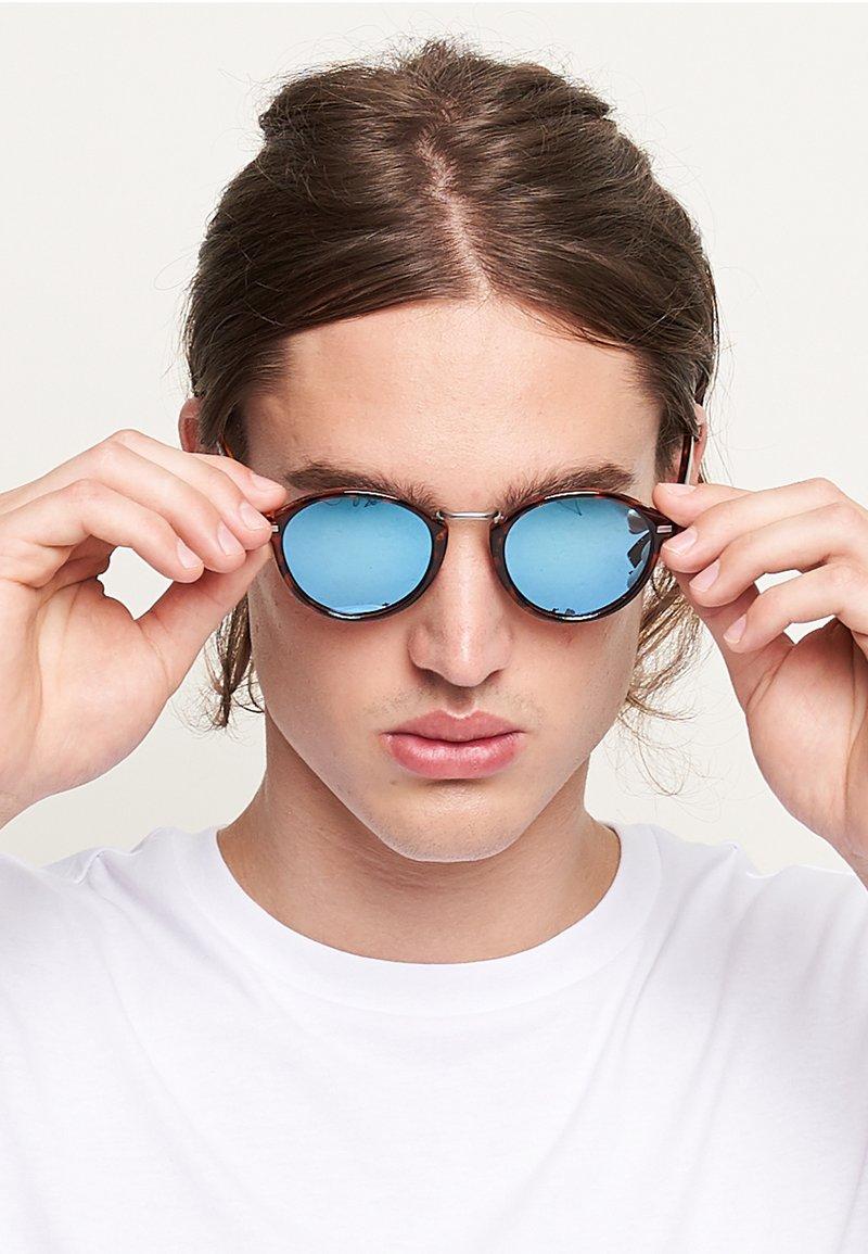 Meller - NYASA - Sunglasses - tigris sky