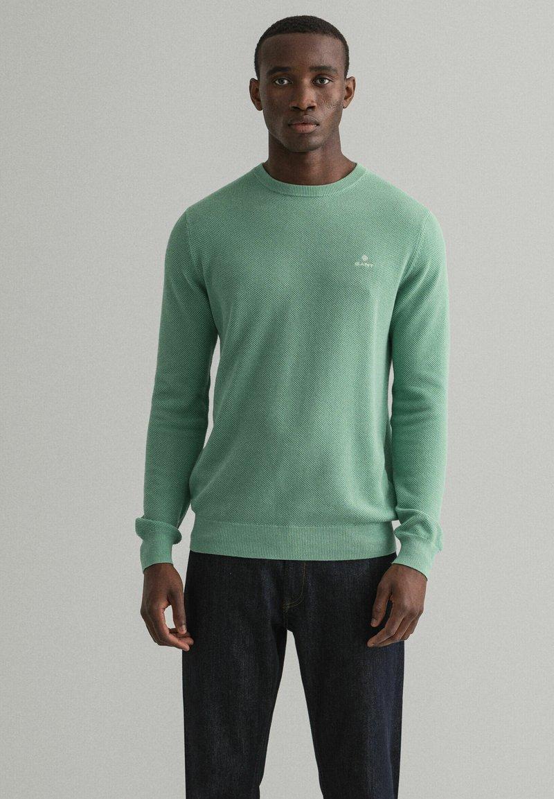 GANT - C NECK - Stickad tröja - grün