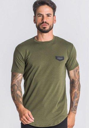 Jednoduché triko - army green
