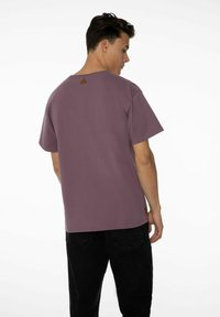 NXG by Protest - PENNAL - Print T-shirt - marron fabric - 2
