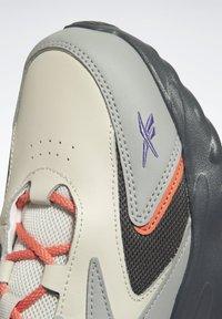 Reebok Classic - MOBIUS_R DMX FOAM SHOES - Sneakersy niskie - grey - 4