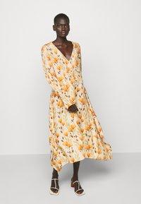 Mother of Pearl - V NECK DRESS WITH PIN TUCKS AND BUTTONS - Vapaa-ajan mekko - poppy peach - 3