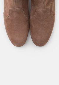 L'Autre Chose - BOOT ZIP - Stivali sopra il ginocchio - nude - 6