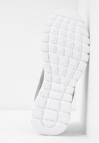 Skechers Wide Fit - WIDE FIT GRACEFUL - Sneakers laag - gray/mint - 6