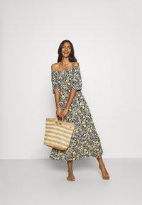 LASCANA - Jersey dress - schwarz/gelb - 1