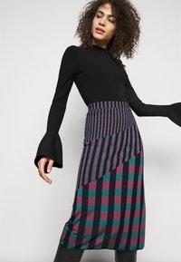 Diane von Furstenberg - SKIRT - Pencil skirt - grape/purple/green - 3