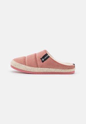 LENA - Pantofle - antique