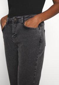 Noisy May - NMOLIVIA  - Slim fit jeans - dark grey denim - 3