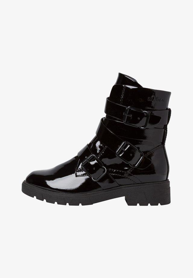 STIEFELETTE - Korte laarzen - black patent