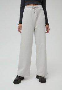 PULL&BEAR - Tracksuit bottoms - grey - 0